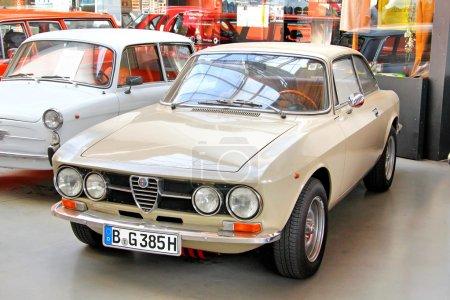 Альфа Ромео 1750 Veloce что ГТ