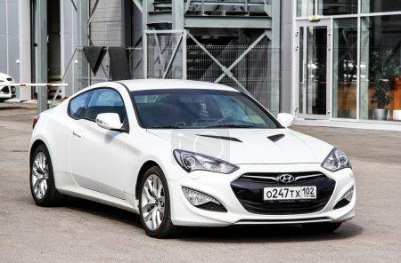 Car Hyundai Genesis