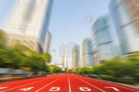 Running race line in modern city road