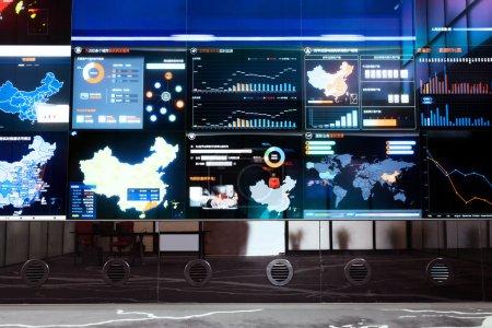 Photo pour Centre de données d'entreprise et écran - image libre de droit