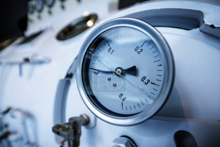 Barometer in natural gas production industry