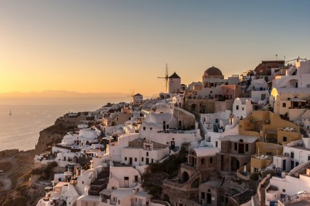 Famous sunset in Oia - Santorini