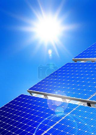 Foto de Energía solar renovable, alternativa, planta de energía solar en el fondo del cielo - Imagen libre de derechos