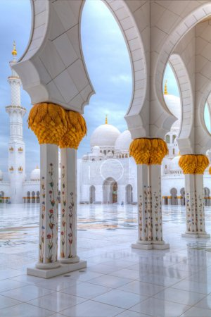 Sheikh Zayed Grand Mosque in Abu Dhabi