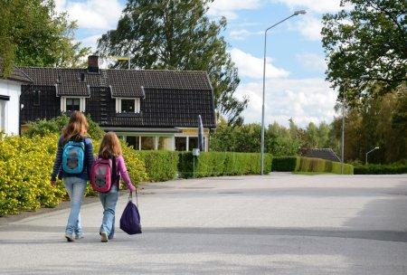 Children goes to school