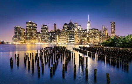 Photo pour New York City - beau lever de soleil sur manhattan avec pont de manhattan et brooklyn Usa - image libre de droit