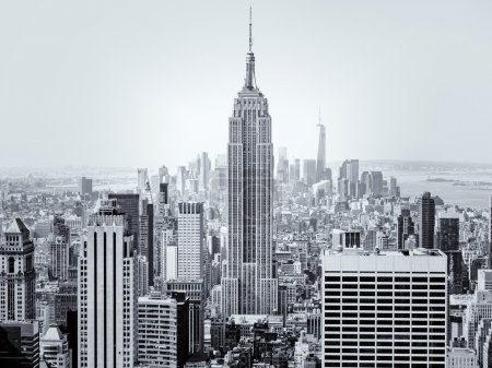 Photo pour : Vue aérienne de New York City avec l'Empire State Building au premier plan - image libre de droit