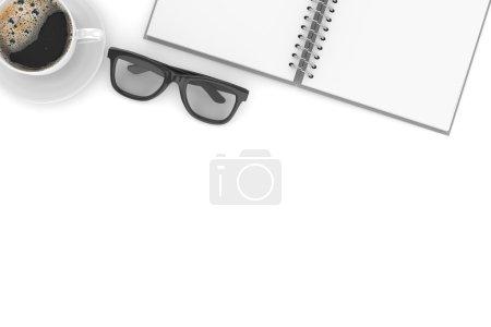 Photo pour Trucs de bureau sur la table, vue du dessus sur le lieu de travail - image libre de droit