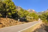 Typické horské silnice ve Španělsku s povolenou rychlost překročil 60 km/h