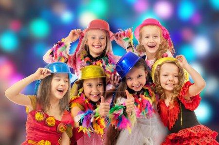 Foto de Grupo de niñas en el carnaval - Imagen libre de derechos