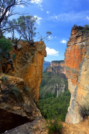 Burramoko Head and Hanging Rock in NSW Blue Mountains Australia