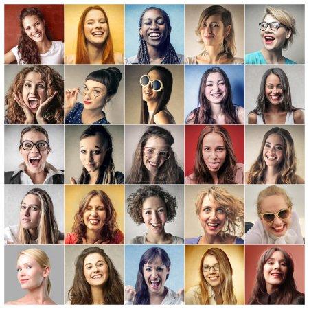 Photo pour Vingt-cinq portraits de femmes souriantes et réussies - image libre de droit
