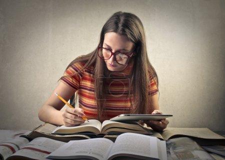 Foto de Estudiante preparándose para una prueba - Imagen libre de derechos