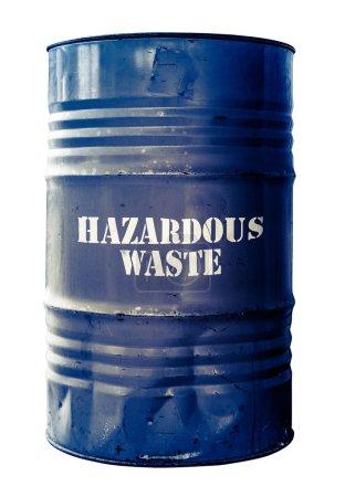 Photo pour Grungy tambour isolé ou baril de déchets dangereux - image libre de droit