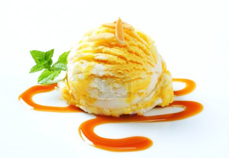 Ice cream with caramel sauce