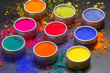 Photo pour Indian Holi festivals couleurs - image libre de droit