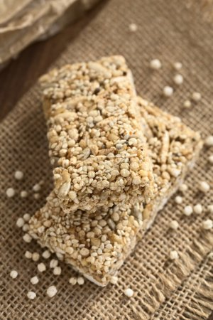Popped Quinoa and Sesame Cereal Bar