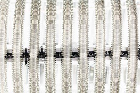 Photo pour Tuyau métallique d'ondulation pour échangeur de chaleur - image libre de droit
