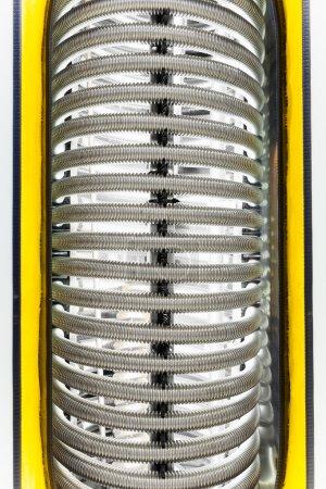 Photo pour Tuyaux métalliques de la chaudière de chauffage de l'eau - image libre de droit