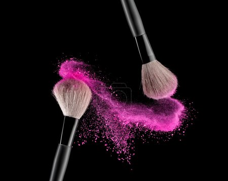 Brush with powder