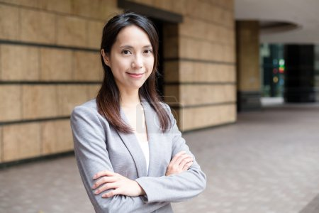 Young asian businesswoman in business suit