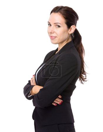 Photo pour Femme d'affaires caucasien avec bras croisés - image libre de droit
