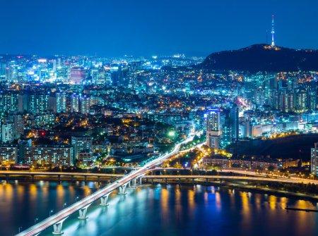 Photo pour Belle vue panoramique de la ville de Séoul la nuit, Corée du Sud - image libre de droit
