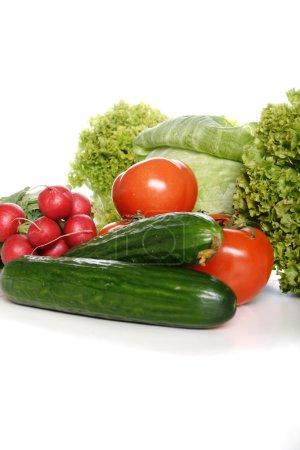 Foto de Composición de verduras sobre fondo blanco - Imagen libre de derechos
