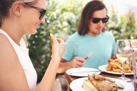 couple at restaurant lunch