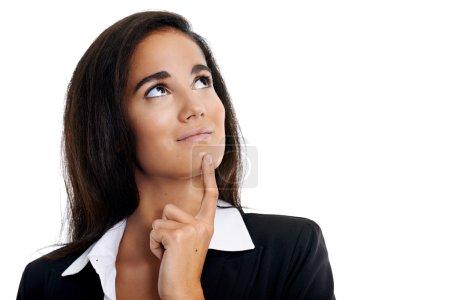 Photo pour Femme d'affaires pensante avec l'idée regardant vers le haut - image libre de droit