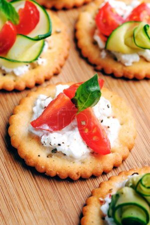 treats with tomato and cottage cheese