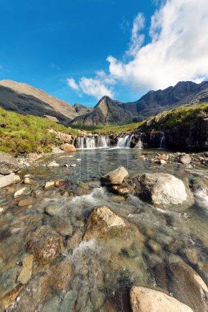 Photo pour Les belles piscines de fées sur l'île de Skye en Écosse - image libre de droit