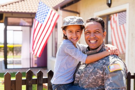 us army soldier and daughter