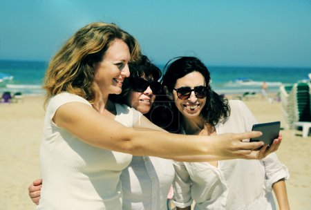 friends  making selfie photo