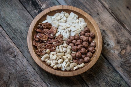mix of 4 different nuts