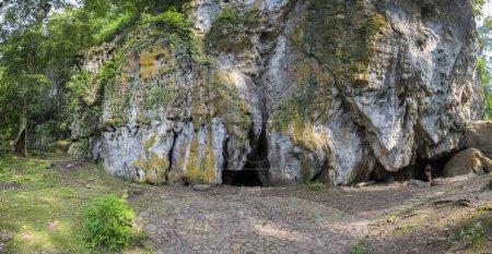 Пещера бесов сени и лес