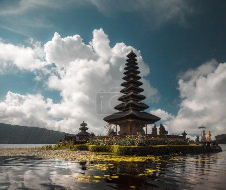 Hindu temple Ulun Danu Bratan