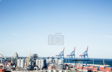 Industrial port