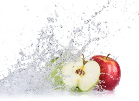 Fresh apples with water splash