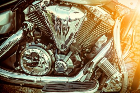 Photo pour Gros plan d'une moto de grande puissance, style vintage classique . - image libre de droit