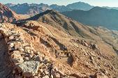 Turisták leszáll a Mózes-hegy, Egyiptom