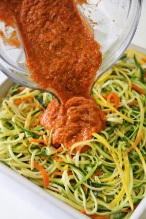 Vegetable noodles with marinara sauce