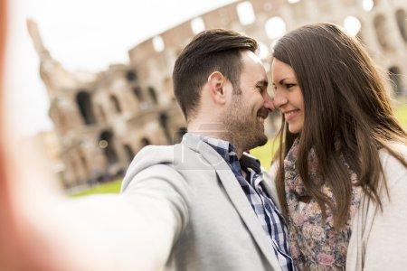 Szczęśliwa para w Rzymie