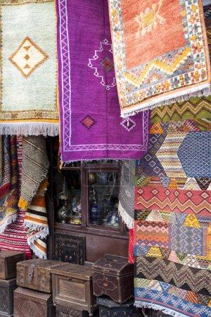 Teppiche auf Markt in Rabat