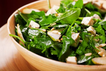 Fresh spinach salad with blue cheese