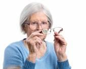 Starší žena, volba vhodné brýle