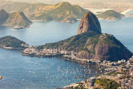 Photo pour Rio de janeiro, Brésil. suggar pain et botafogo plage vue du corcovado - image libre de droit