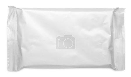 Photo pour Emballage alimentaire de poche en plastique vide isolé sur fond blanc - image libre de droit