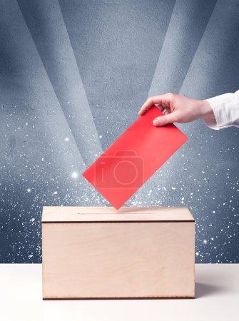 urne avec personne votant