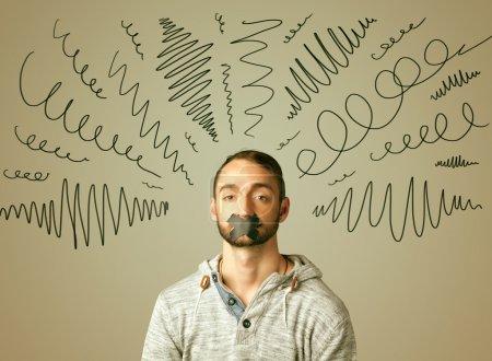 Photo pour Jeune homme avec la bouche collée et bouclés lignes autour de sa tête - image libre de droit
